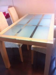 Kika üveg étkezőasztal hibátlan állapotban eladó - Használt bútor